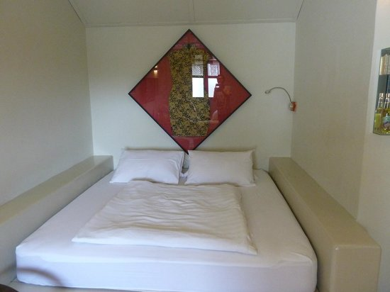 Noordin Mews: One of 2 beds in room, the other's a single