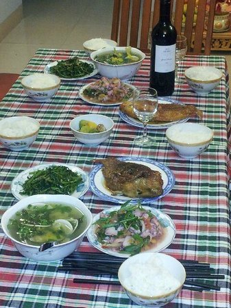 Moon's Homestay: Mum's seafood dinner - Outstanding