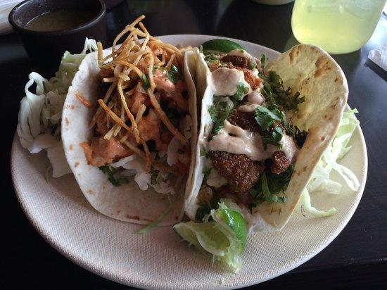 Verde Restaurant: Mahi-mahi fish taco (L) and garlic shrimp taco (R)