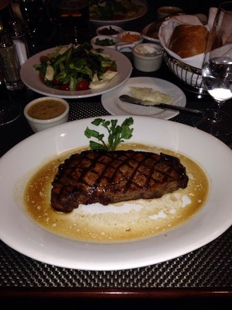 Shula's Steak House: Steak New York & Salat ( 58,-- $)
