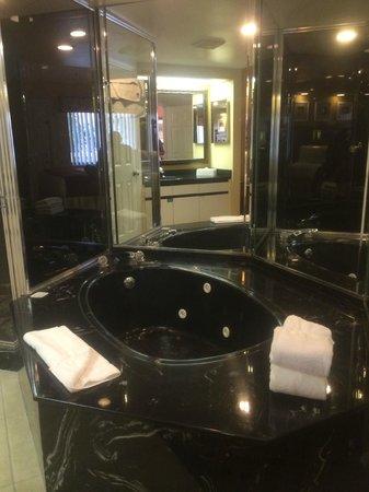 Westgate Vacation Villas Resort & Spa: Jacuzzi del Dormitorio