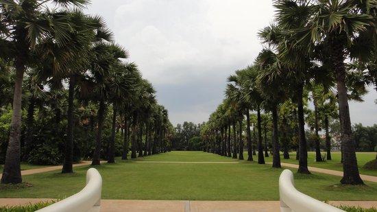Le Meridien Angkor: Garden