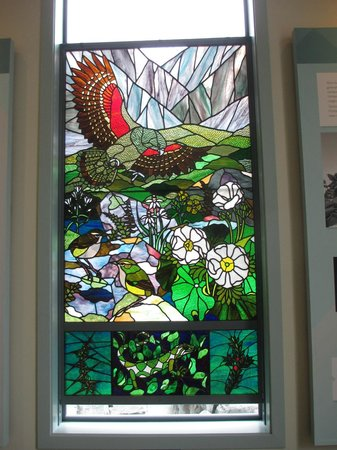 Aoraki/Mount Cook National Park DOC Visitor Centre: Painted glass window