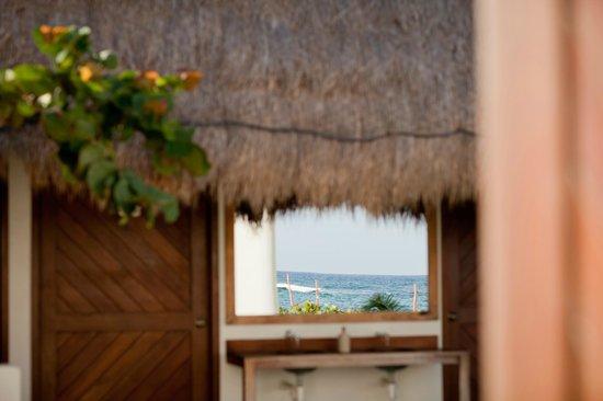 Almaplena Eco Resort & Beach Club : Sea from any side