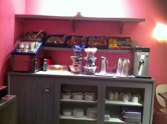 TIMHOTEL Paris Gare De Lyon: Breakfast area