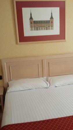 Senator Castellana Hotel: room design
