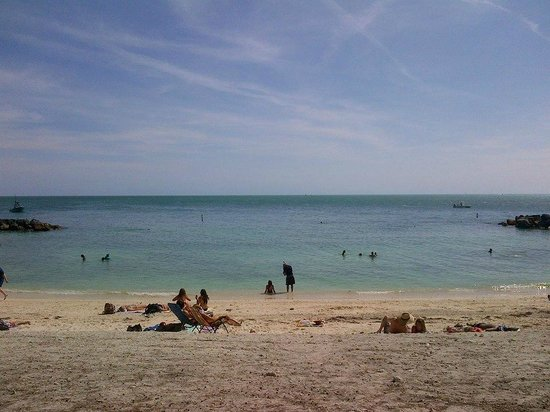Fort Zachary Taylor Historic State Park: The beach