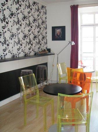 Evora Inn: Reception