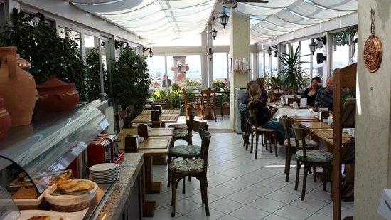 Hotel Niles Istanbul: Breakfast terrace