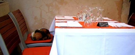 Rozario: table reservation