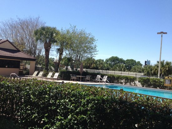 Rosen Inn International: piscina