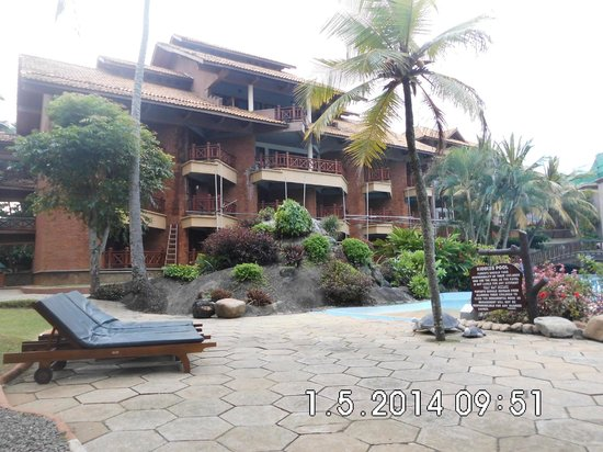 Royal Palms Beach Hotel: view from pool