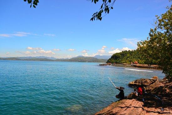 West Sumatra, Indonesia: Mancing di sini begitu damai...