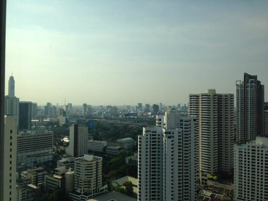 Aloft Bangkok - Sukhumvit 11: A view of the bangkok skyline from our room