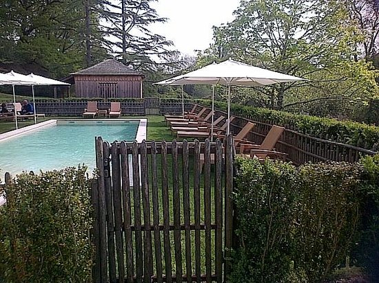 La Bastide : La piscine côté jardin