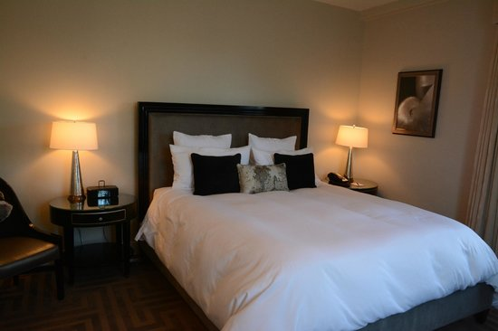 Montecito Inn : Comfortable Bedroom