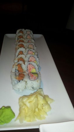 Kona Grill : Sushi spicy tuna roll and California roll