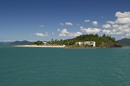 Daydream Island Resort & Spa : Daydream Island resort from the approaching ferry
