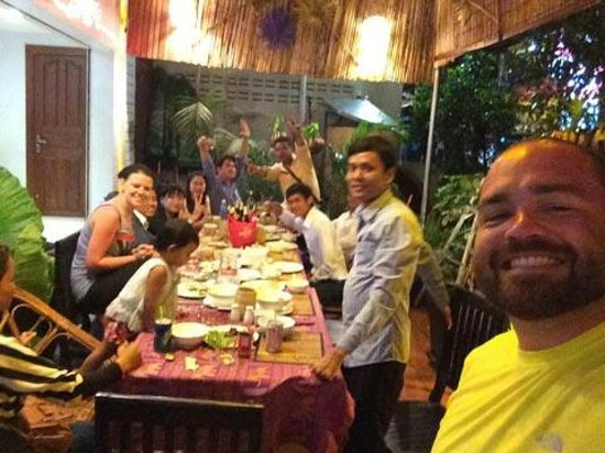 Angkor Empire Boutique Hotel: Dinner with the staff and friends