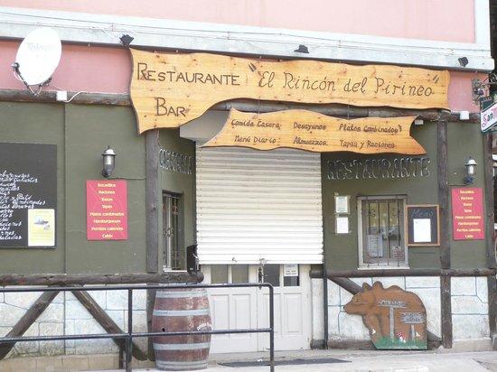 El Rincon de los Pirineos : Entrada restaurante