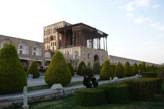 Aali Qapu Palace : アーリーガープ宮殿