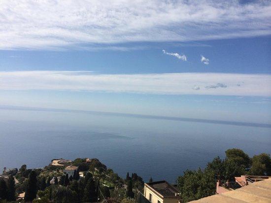 Hotel Villa Carlotta: Vista durante la colazione..