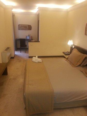 Hotel Ucciardhome: Camera spaziosa