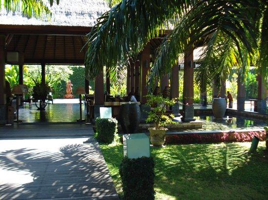 Rama Candidasa Resort & Spa : Reception