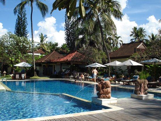 Rama Candidasa Resort & Spa : Swimming pool 1