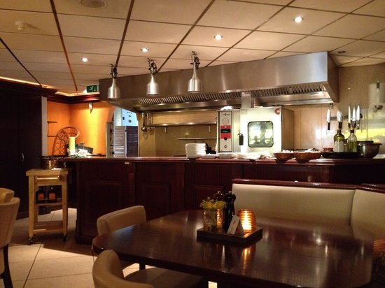 Grand Cafe A-muze Lisse : Open keuken /