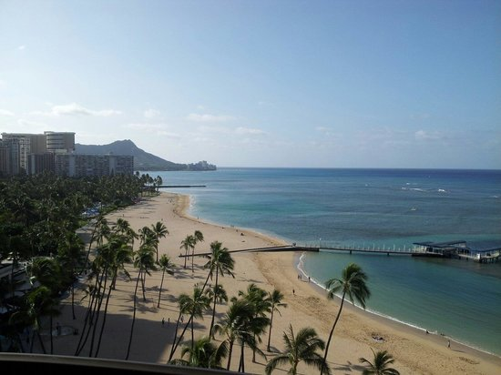 Hilton Hawaiian Village Waikiki Beach Resort : Im here now amazing.... Water is better then cancun best hotel in waiakiki forsure
