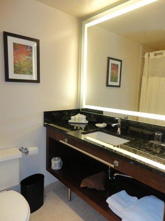 Renaissance Seattle Hotel: Renaissance Seattle - Bathroom