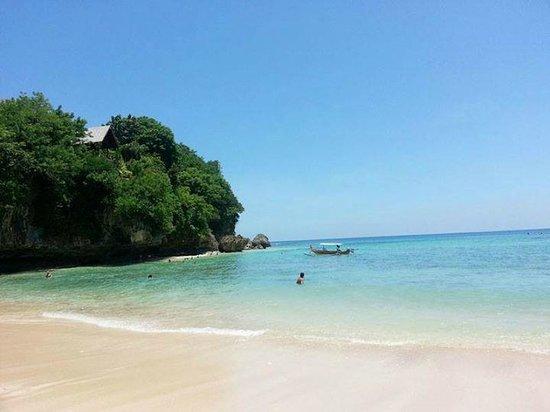 Padang Padang Beach: amazing blue water