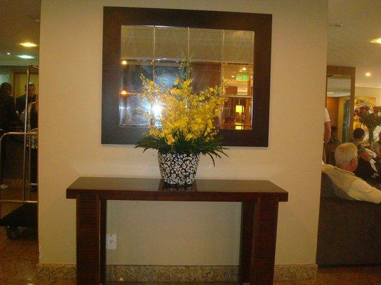 Nadai Confort Hotel & SPA: Lindo arranjo de flores