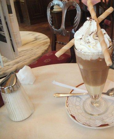 Café Sacher Salzburg: ice coffee
