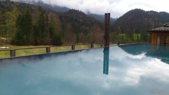 Schloss Elmau: 屋上の温水プール