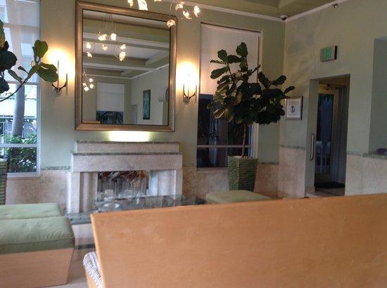 Crest Hotel Suites: reception
