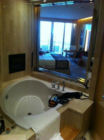 The Meydan Hotel: Zimmer
