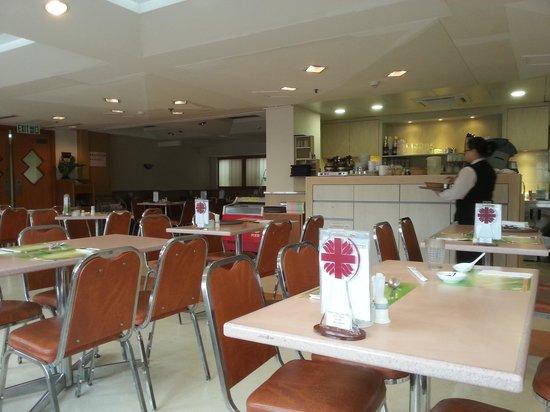 โรงแรมคาริตัส ลอดจ์: Breakfast