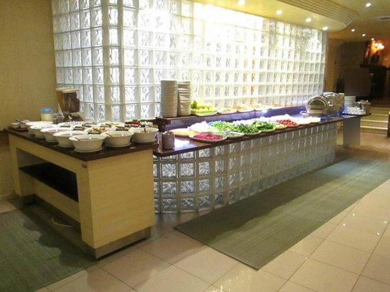 Hotel Buyuk Keban : Le buffet du petit déjeuner