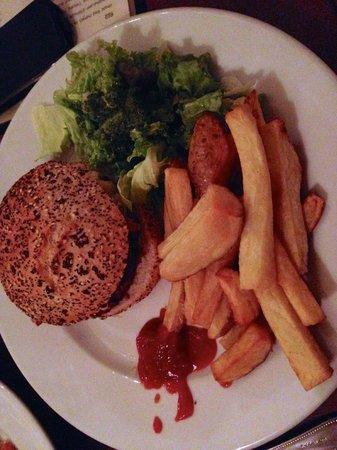 The Andover Arms: Le Burger