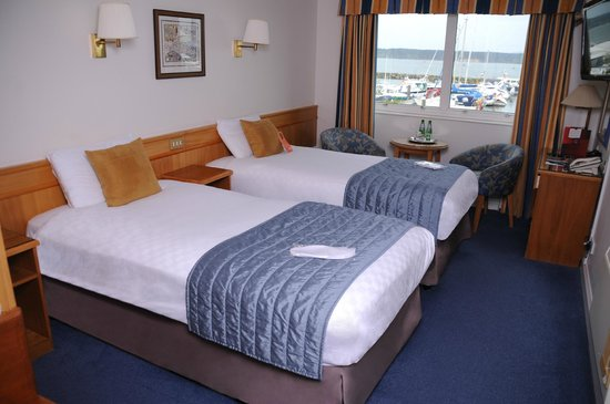Thistle Poole: Twin Room