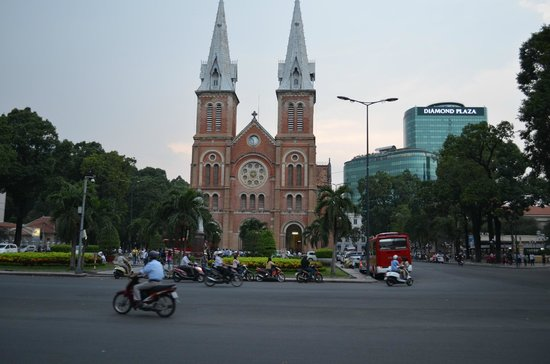 Saigon Prince Hotel: local sights within walking distance