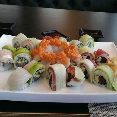 Ginger Asian Kitchen and Bar : sushi