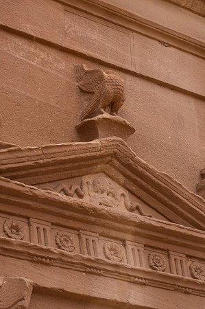 Mada'in Saleh: Tomb detail
