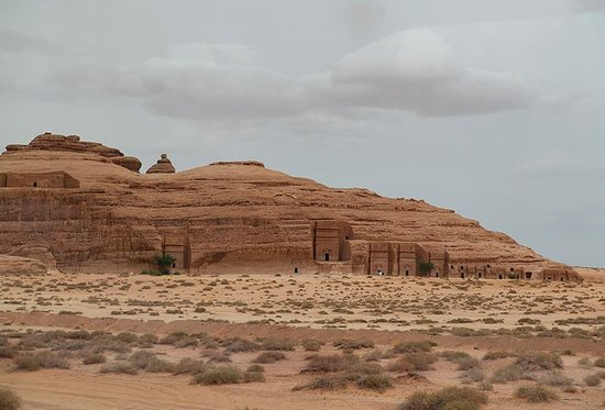 Mada'in Saleh: Qasr al-Bint tombs