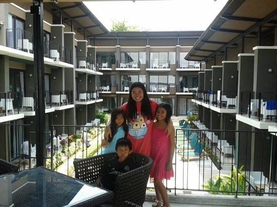 La Lune Beach Resort : ห้องพักสะอาด อาหารอร่อย