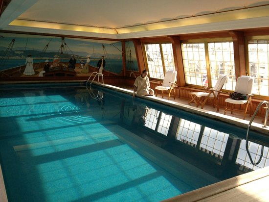 Le Bristol Paris: piscine