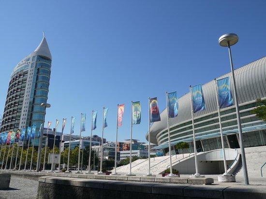 Vasco da Gama Shopping Center : стекло и бетон