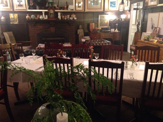 Chalet Restaurant: The dining room at The Chalet, Medlow Bath.